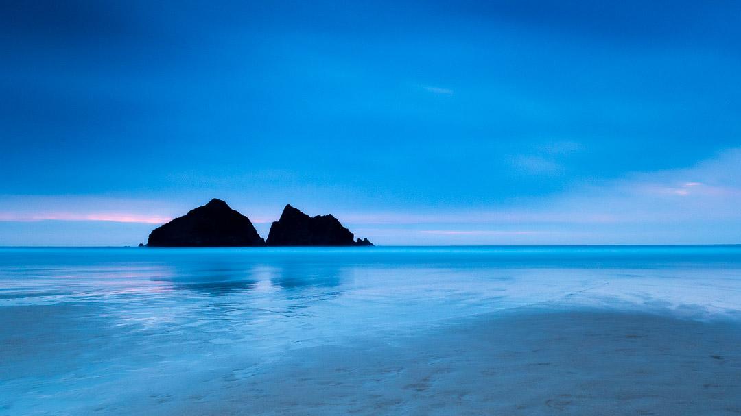 Minimalism on Holywell Bay Beach - Cornwall U.K.